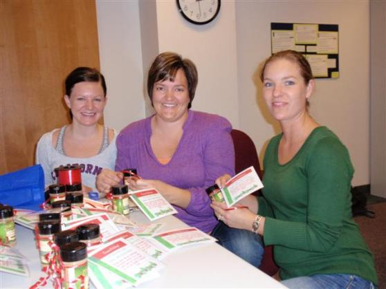 GRCC Nursing Students Work at Local Food Pantry